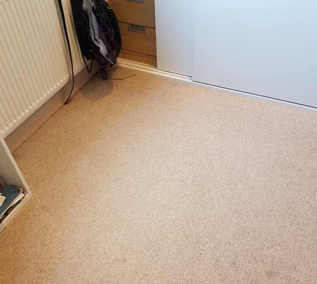 West Thurrock cleaning office RM20